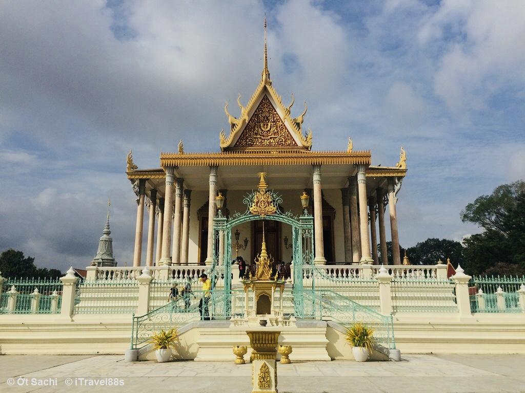cung điện hoàng gia, Kinh nghiệm du lịch Campuchia tự túc từ A-Z