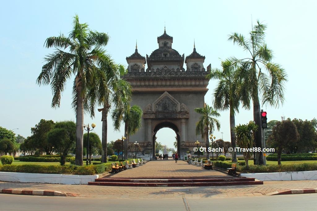 khám phá khải hoàn môn Patuxai, Lào