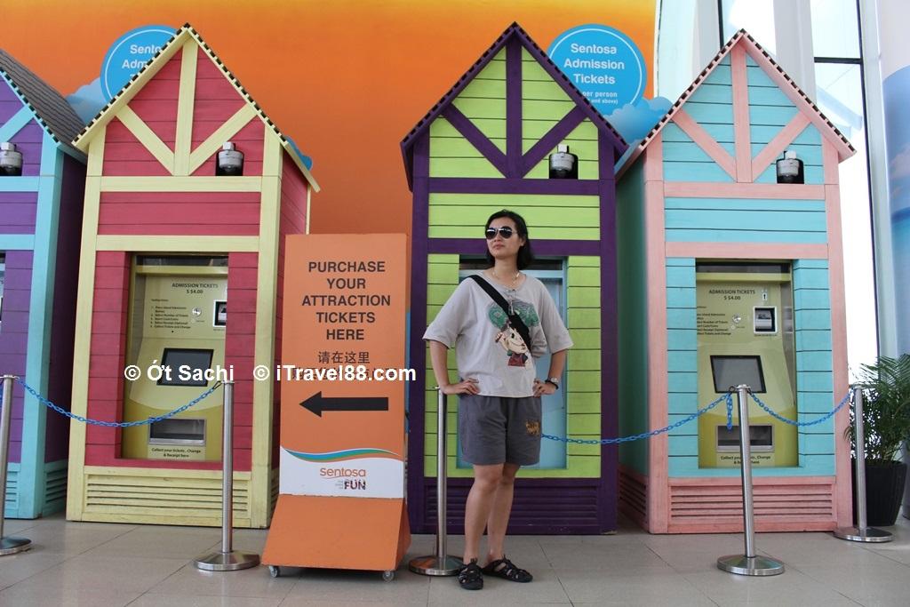 Quầy bán vé chơi Sentosa ở Vivo city - kinh nghiệm du lịch bụi đảo Sentosa
