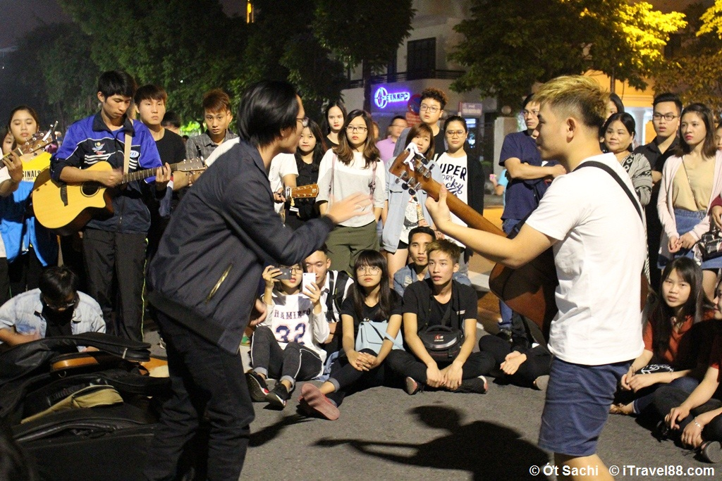 Music show in walking street before covid time