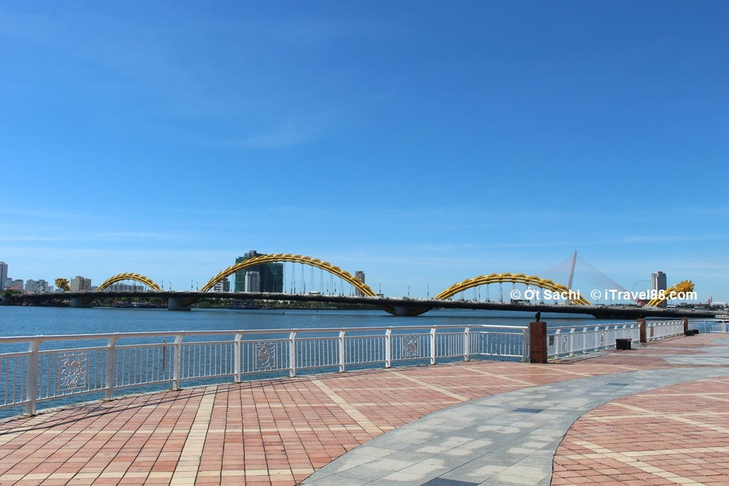 Dragon Bridge - one of the bridges crossing Han River