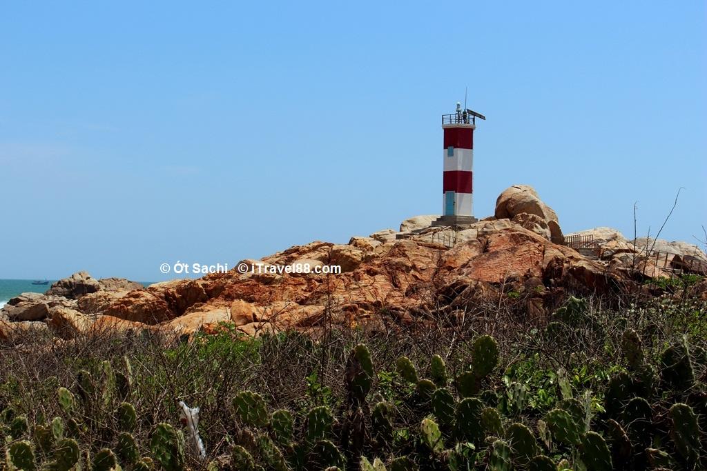 Hải đăng Gành đèn - Top 10 địa điểm du lịch Phú Yên