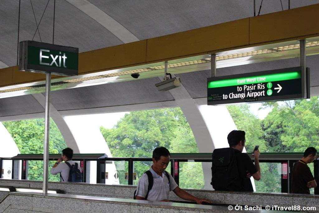 Tầu điện ngầm là phương tiện phổ biến nhất ở Singapore