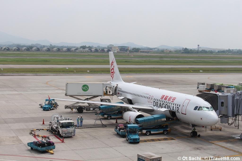 Tra nạp cho chuyến bay của Dragon air