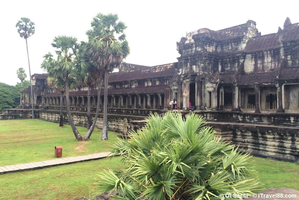 Một góc đền Angkor Wat - những ngôi đền chùa nổi tiếng ở Đông Nam Á